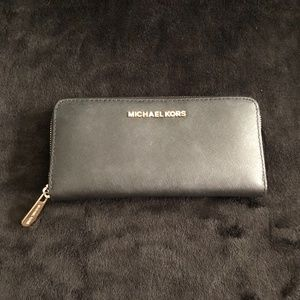 Michael Kors Wallet Black-Gently Used
